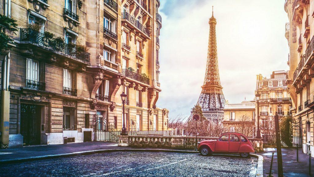 بازسازی ملک در فرانسه